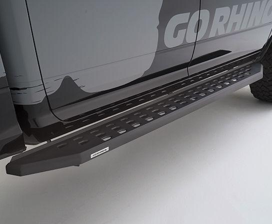 Go Rhino - Estribos RB20 Jeep Wrangler JL 18-21 4 puertas (Negro Texturizado)