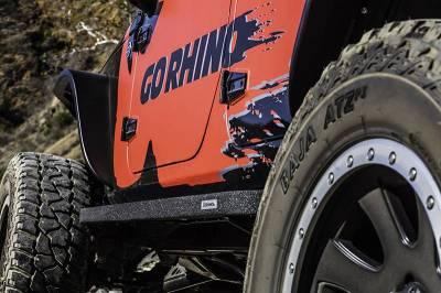 Go Rhino - Estribos RB10 Jeep Wrangler JK 07-18 4 puertas Poliurea - Image 4